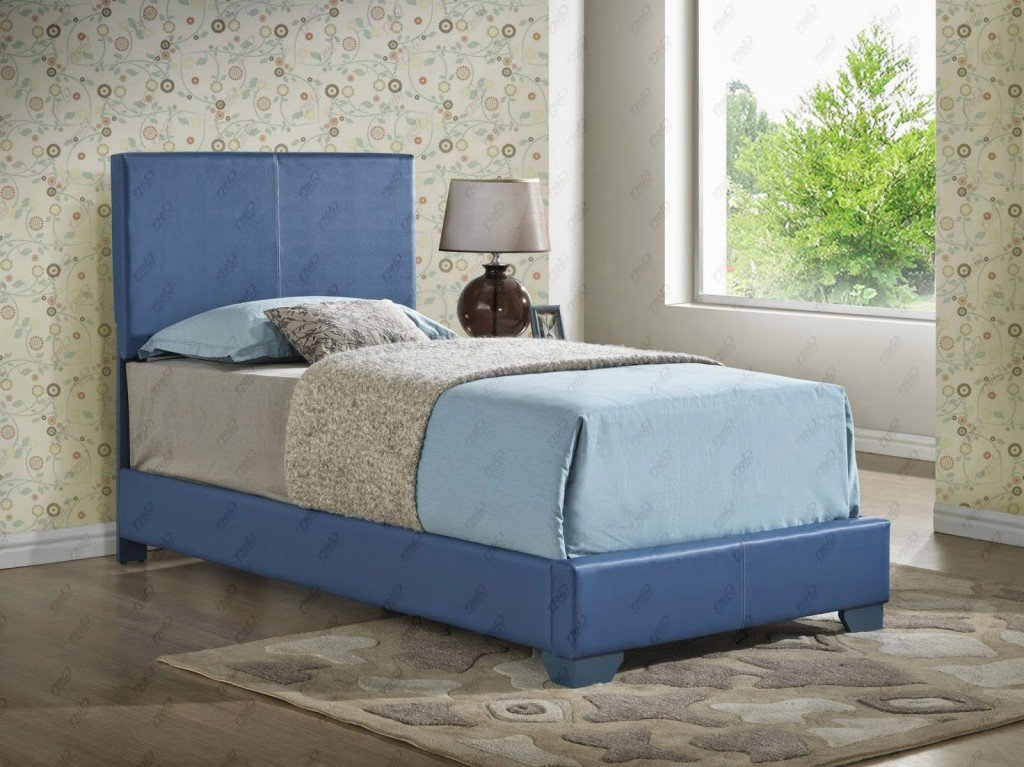 Upholstered Bed Blue by Glory Furniture